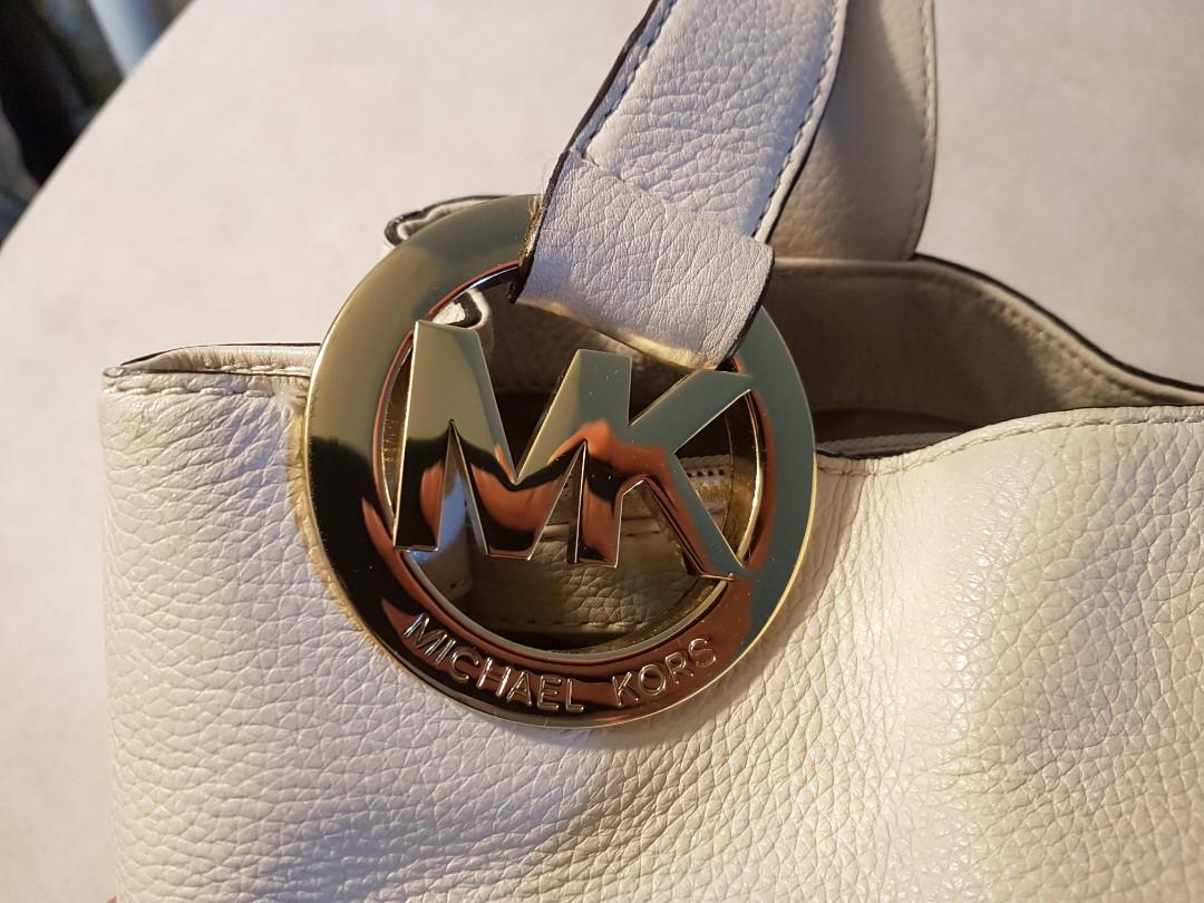 Authentic Michael Kors bag - Slightly used (Excellent Condition)