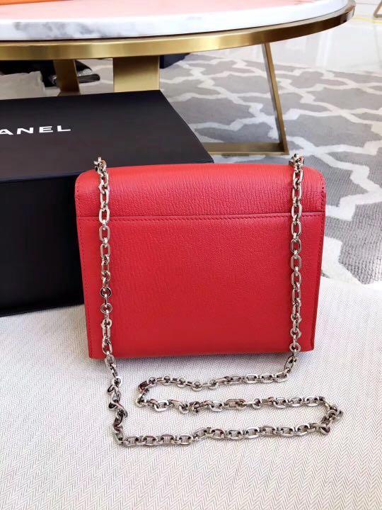 Authentic Pre-loved Hermès Verrou Chaine Mini Bag