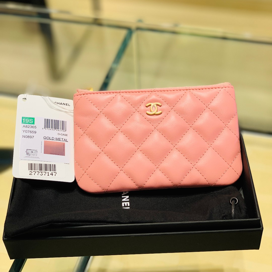 d8f9a15a76b583 Chanel 19S Mini O Case, Luxury, Bags & Wallets, Wallets on Carousell