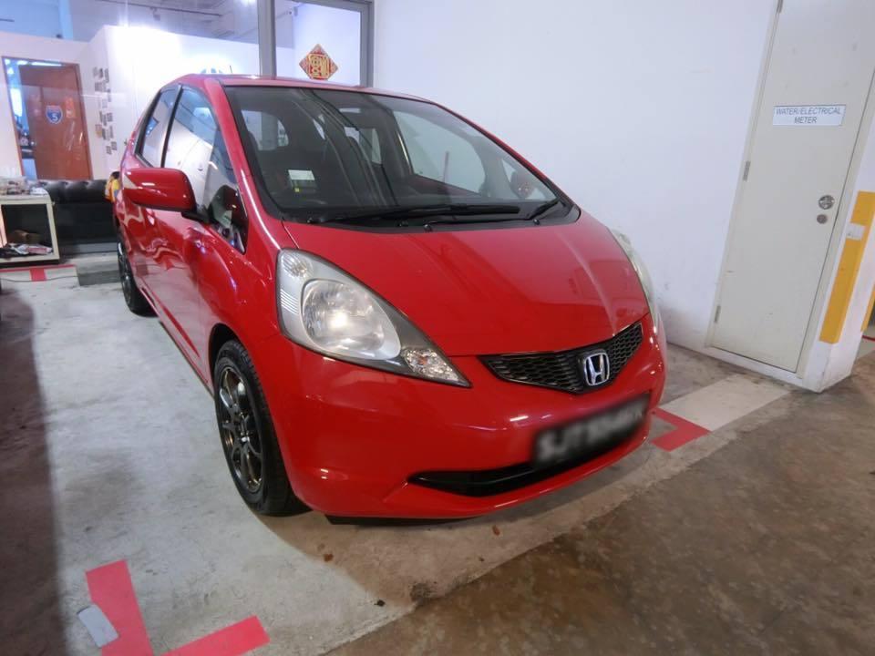 Cheap weekly car rental 98000933