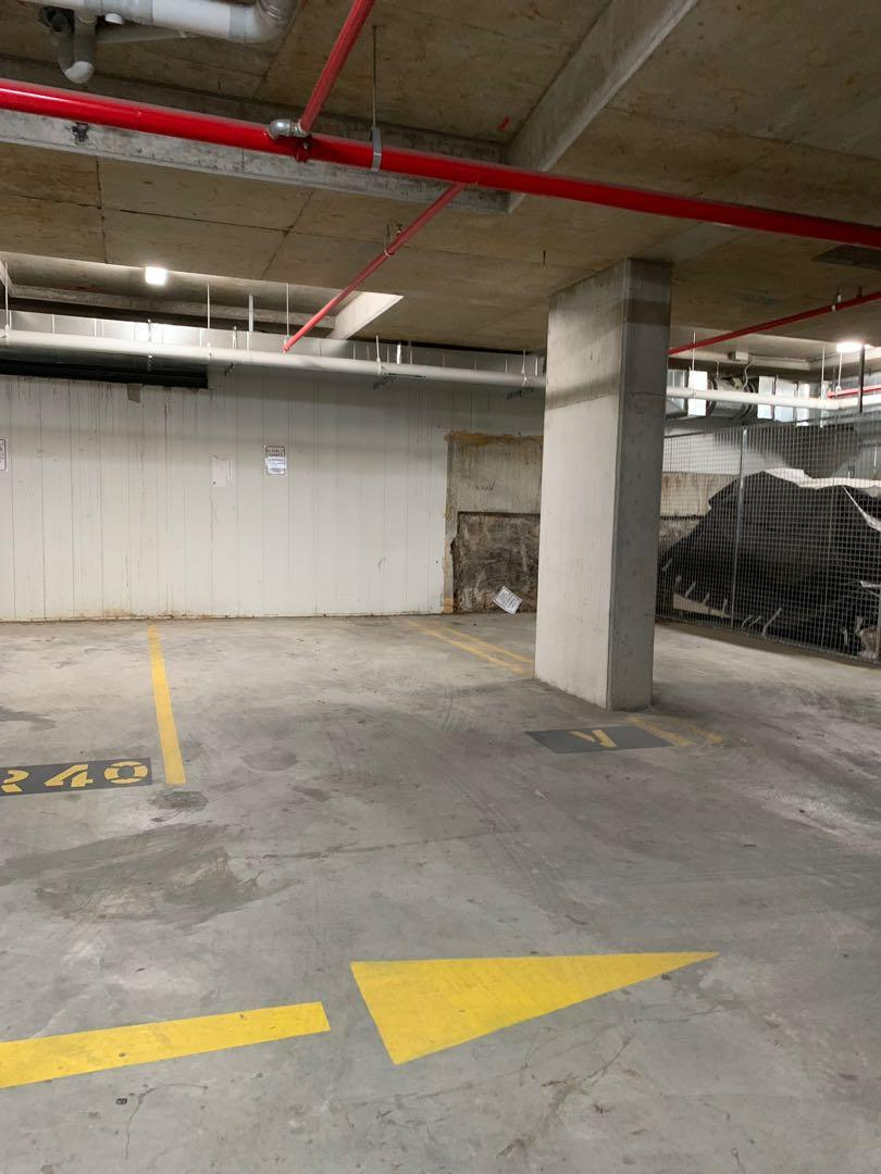Cheapest private parking space for rent in mascot district