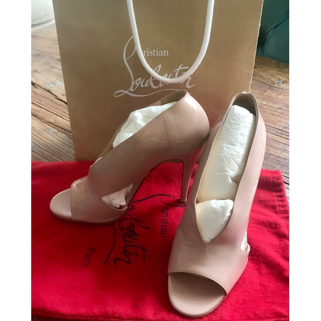 684d69448 Christian Louboutin - 4inch heel, beige, patent leather - 38, Luxury ...