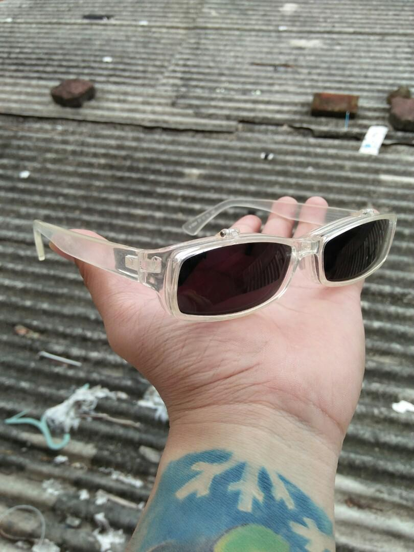 Clip on vintage sunglasses Brand: V-SIGN 51¤15-140 Rare/limited edition Vintage Authentic Kondisi 95% mulus