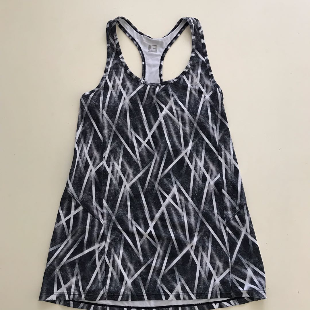 fd30bf6a Decathlon woman's sport top (long) Size 38, Sports, Sports Apparel ...