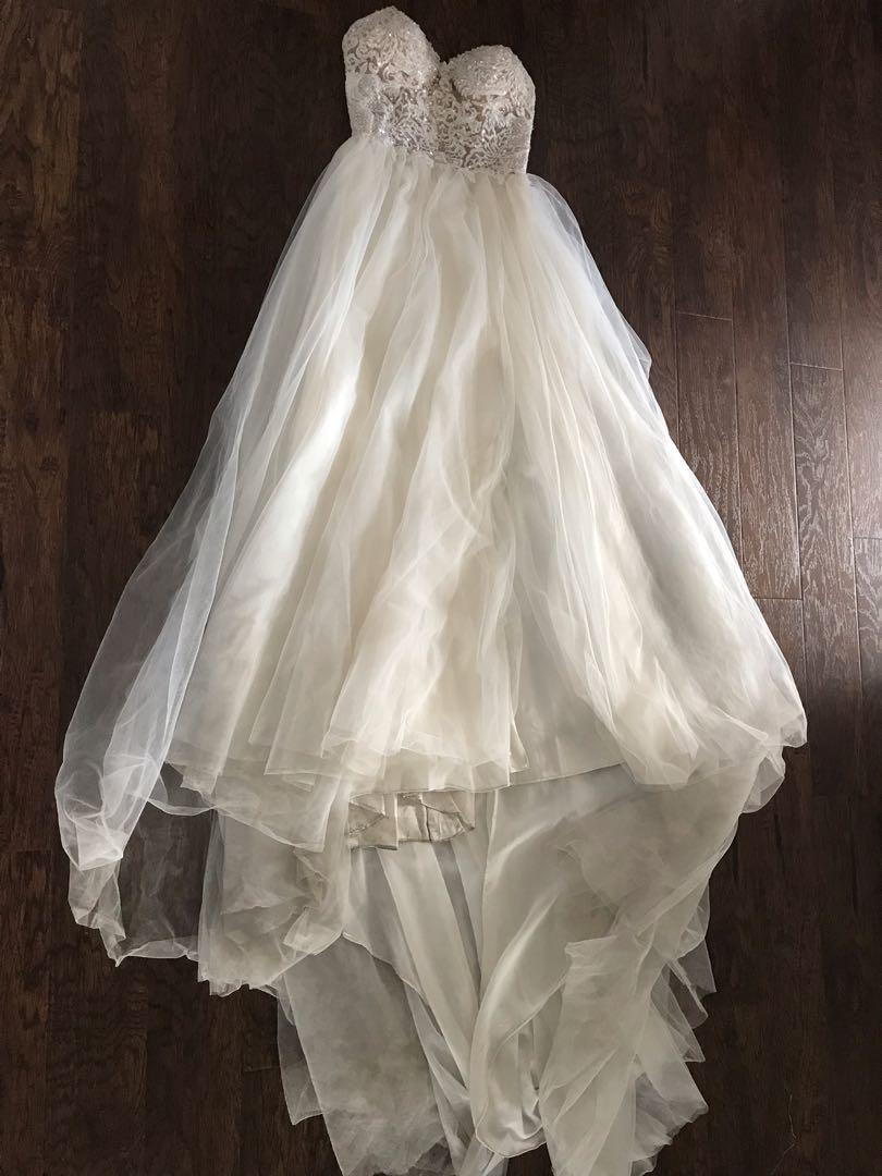 Gorgeous Wedding dress (light weight) AS IS