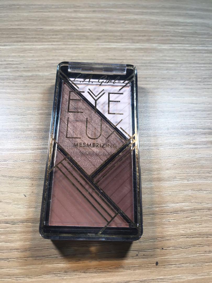 LA Girl Eye Lux