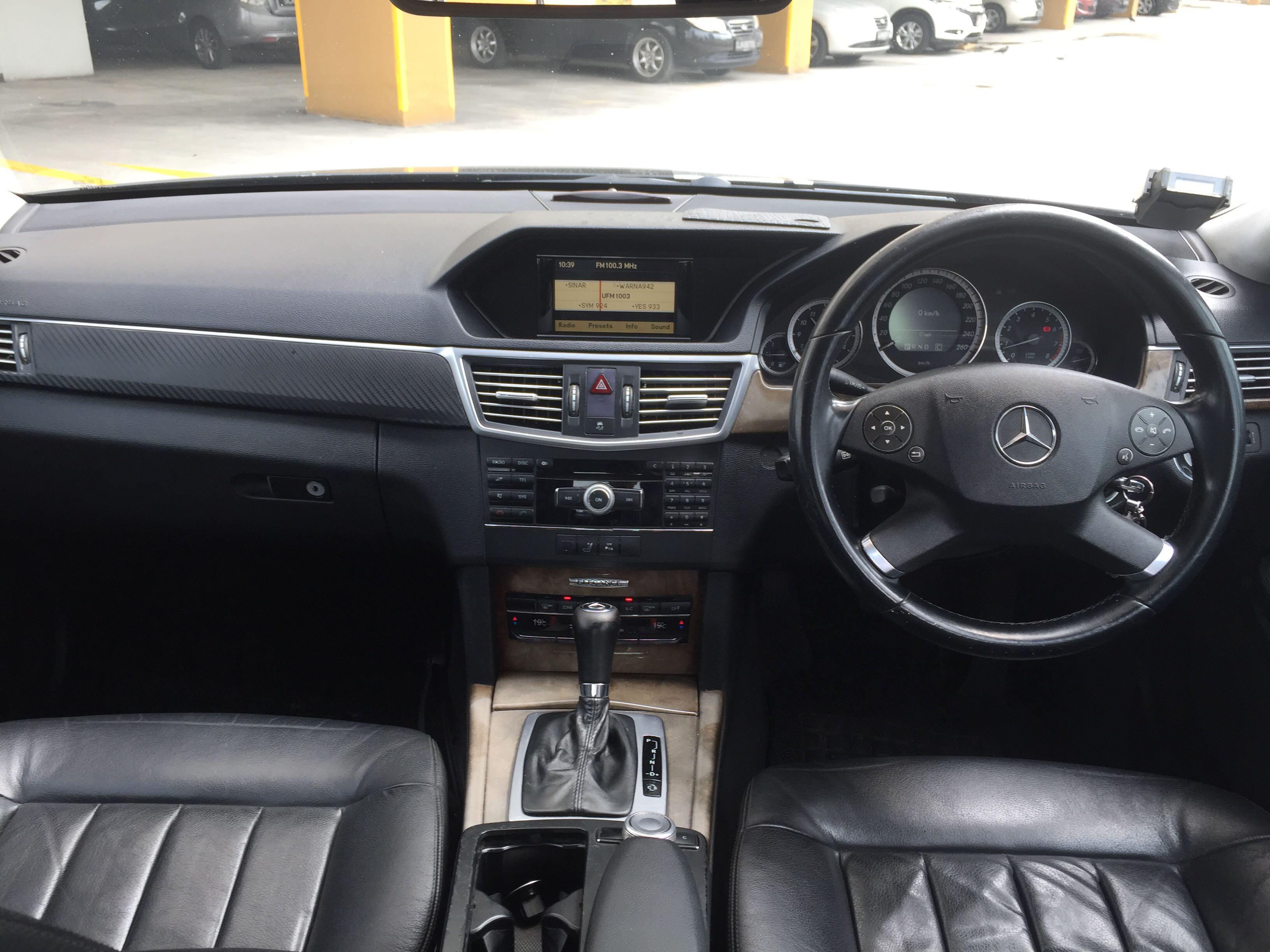 Mercedes-Benz E250 CGI Auto