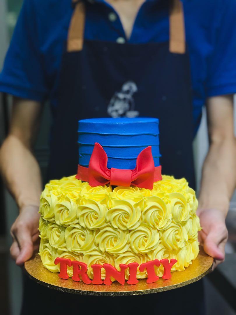 Snow White Themed Cake Disney Princess Birthday Cakes FREE