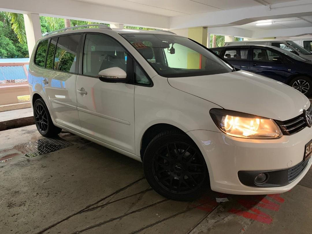 Volkswagen Touran 1.6 TDI DSG Auto