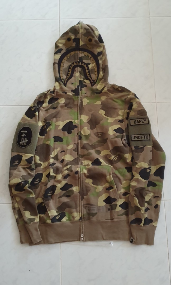 7e1e7d6c WTS Bape x Undefeated Shark Camo Hoodie L, Men's Fashion, Clothes,  Outerwear on Carousell