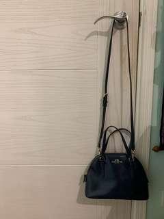 Chic coach shoulder bag