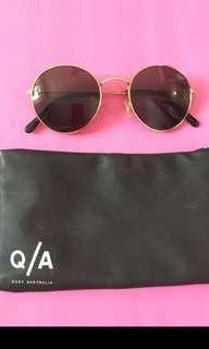 Quay Sunglasses Rose gold