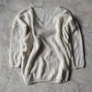 Knitted v neck pullover