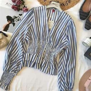 Woman blue stripe top 藍白色直間恤衫