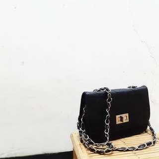 🚚 菱格紋鏈條小包-黑