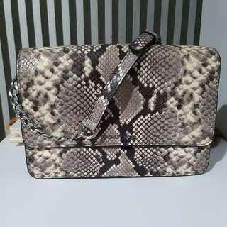 Michael Kors Sling Bag 💯% Ori