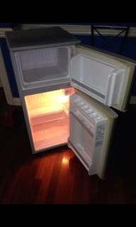 Hitachi Refrigerator with Freezer