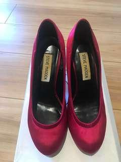 Nearly new - red high heel size 36