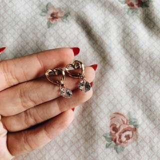 🚚 gold heart earrings