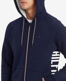 🌐《現貨》⭐️2019春季新款⭐️日本購入 Tommy hilfiger 男款 休閒運動LOGO連帽外套