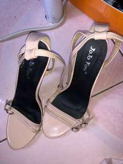 🚚 High Heels