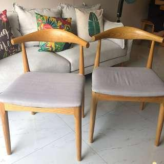 🚚 Cow Horn Chairs x 2 (Grey cushion seat)