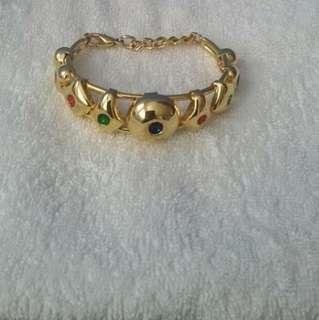 Chomel Gold Bangle Bracelet