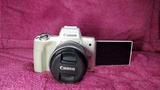Canon EOS M50 Lensa Kit 15-45 mm Second