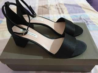 🚚 Charles & Keith Sandals with heels (Pre-loved)
