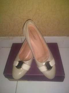 Buccheri Shoes 38