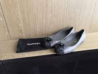 Chanel Camilla Floral logo Flat Shoes 雙色平底鞋