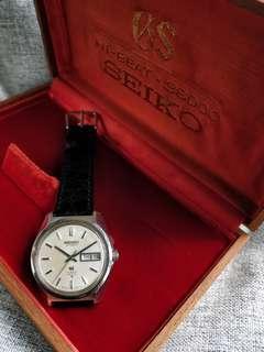 36000bph Vintage Grand Seiko GS 6146-8000 with rare original box