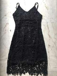 🚚 Black Lace Midi Dress