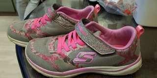 🚚 Sketchers Original Kids Shoes