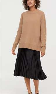H&M Black Pleated Skirt - Sz 4