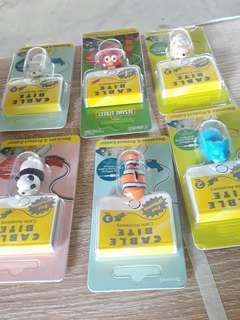 ★iPhone充電線保護套:芝麻街,小丑魚,北極熊,象,貓熊,綿羊