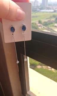 (FREE DELIVERY) Blue crystal Swarovski earring