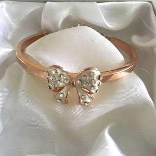 BNIB Lovely Rose Gold Crystals Bow Bracelet