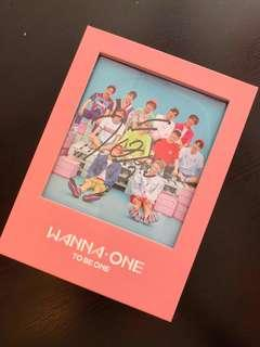 [WTS] Jihoon MWAVE Signed Album (Pink ver.)
