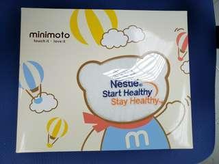 全新Minimoto x Nestle 毛巾換片墊