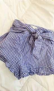 🚚 Gingham flutter shorts
