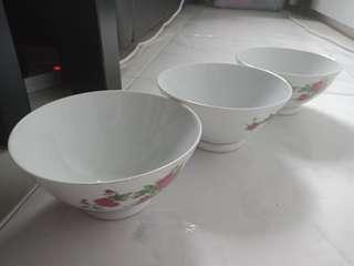 🚚 Bowls