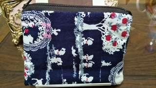 🚚 Tissue with zipper purse