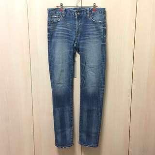 Uniqlo 牛仔合身 T00 32 (82cm) 藍 $499