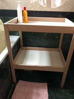 🚚 Bath table