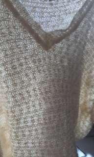 🚚 V領米色針織毛衣