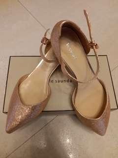 全新100%new le saunda4O號玫瑰金有帶高跟鞋