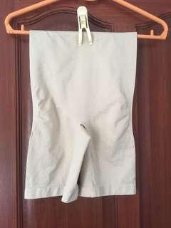 Shapewear shorts in M