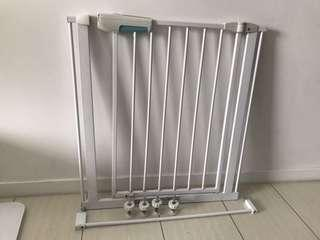 🚚 baby safety gate
