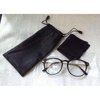 🚚 Glossy Black with Gold Grip vintage Eyewear Spectacle Frame Glasses Clear lens with Gold Grip